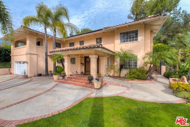 Single Family Home for Sale at 1440 Greenbriar Road Glendale, California 91207 United States