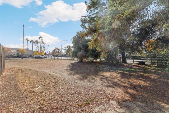 7040 Church Street, Gilroy CA: http://media.crmls.org/mediaz/10695066-5E59-4F12-A96F-4279B18AE98C.jpg