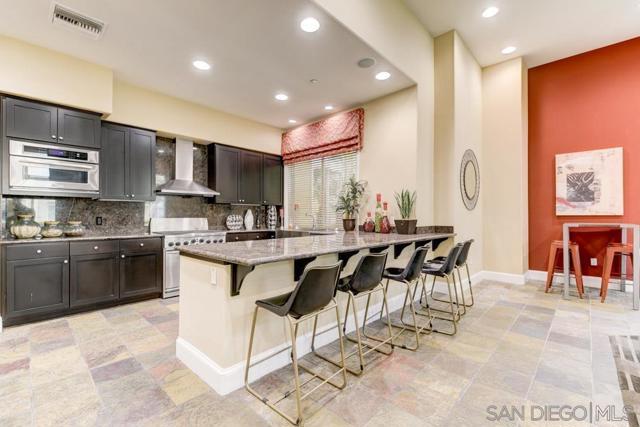 10848 Scripps Ranch Blvd, San Diego CA: http://media.crmls.org/mediaz/10976e6a-599d-4919-9eed-59f6c6d1c57d.jpg