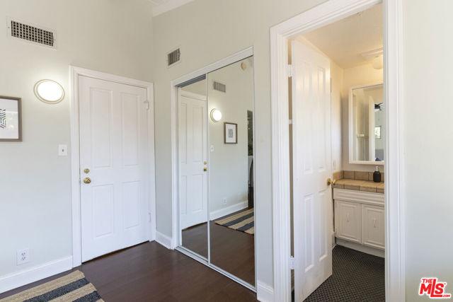 16761 Septo Street, North Hills CA: http://media.crmls.org/mediaz/1145A838-A8D9-4066-A9D0-17238FD491F1.jpg