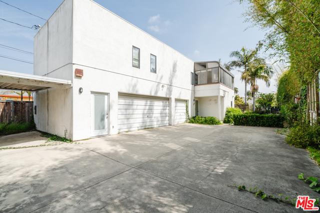 3875 Marcasel Ave, Los Angeles, CA 90066 photo 22
