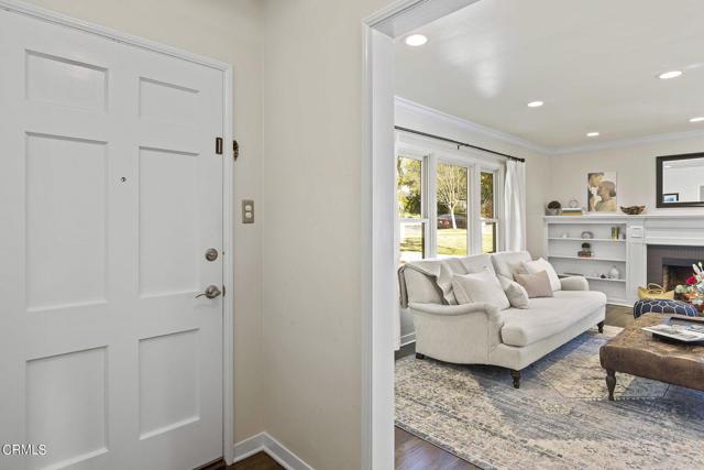 1738 N Roosevelt Avenue, Altadena CA: http://media.crmls.org/mediaz/11C769E1-54A2-4CD9-9254-955AD222B2B7.jpg