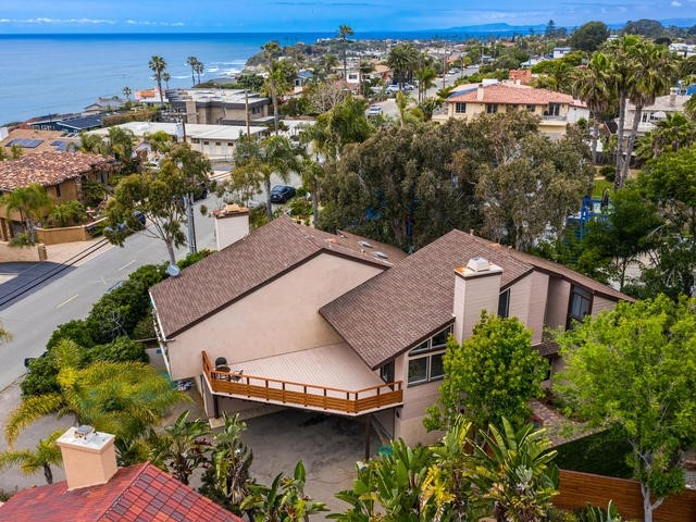 Photo of home for sale at 1557 Summit Ave, Cardiff By The Sea CA