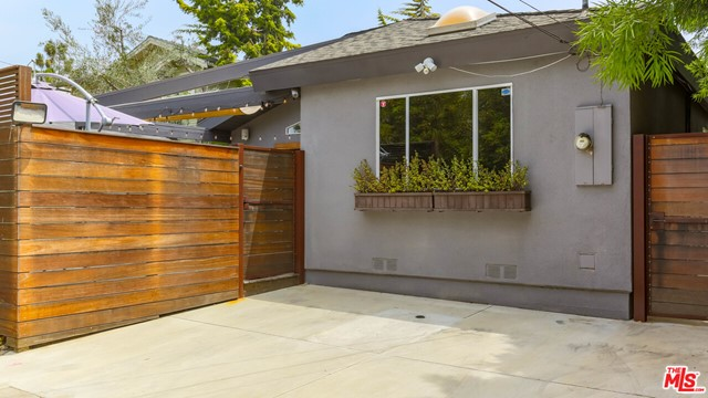 2413 Mckinley Ave, Venice, CA 90291 thumbnail 31
