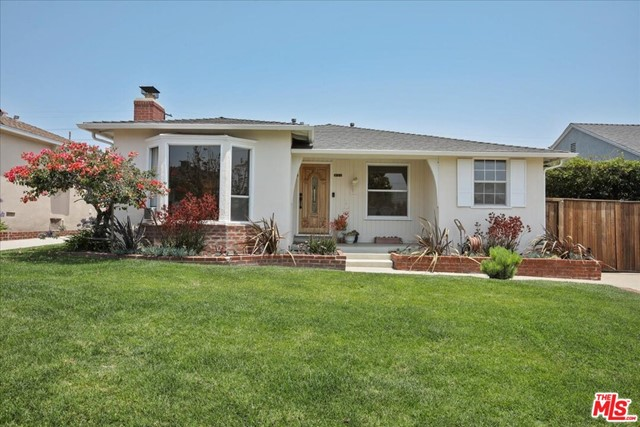 8150 Kenyon Ave, Los Angeles, CA 90045