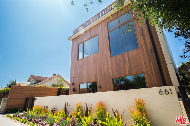 Single Family for Sale at 661 Broadway Venice, California 90291 United States
