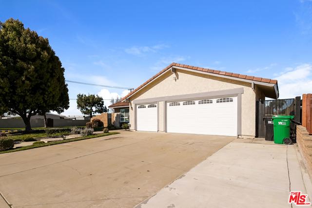 4311 Toyon Circle, La Verne CA: http://media.crmls.org/mediaz/1319091F-6860-43B3-8931-D66791251386.jpg