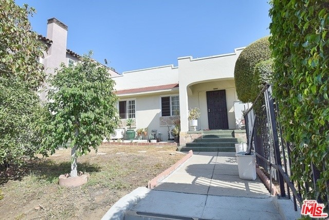 Single Family for Sale at 2506 Bronson Avenue S Los Angeles, California 90018 United States