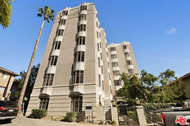1314 N HAYWORTH Avenue, West Hollywood CA: http://media.crmls.org/mediaz/13999954-2C6C-4306-992B-FD06A1319994.jpg