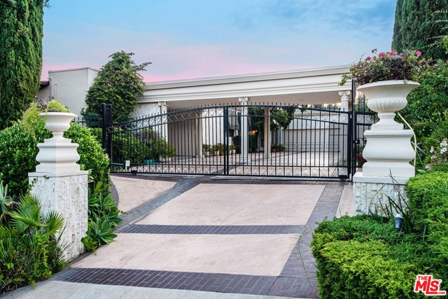 1039 Wallace Ridge  Beverly Hills CA 90210
