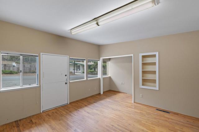 1016 Austin Avenue, Pacific Grove CA: http://media.crmls.org/mediaz/1412D026-0F85-430F-AB9B-7BE8D1CBC9F2.jpg