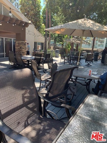 Photo of 5510 OWENSMOUTH Avenue #215, Woodland Hills, CA 91367