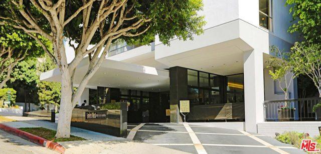 1100 Alta Loma Road, West Hollywood CA: http://media.crmls.org/mediaz/147549F8-1686-4B25-BFEA-CFF38A347441.jpg