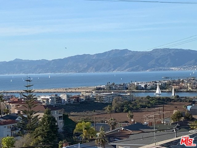 8311 DELGANY Ave, Playa del Rey, CA 90293