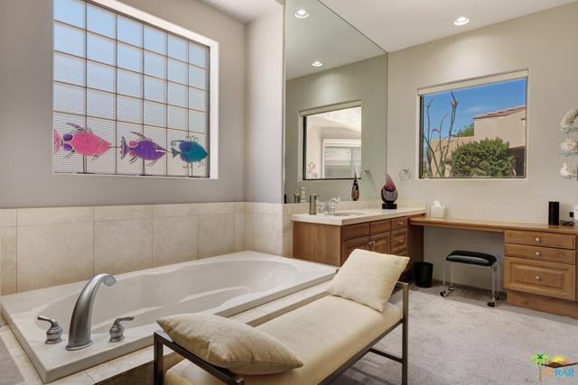 15 Birkdale Circle, Rancho Mirage CA: http://media.crmls.org/mediaz/14EF530A-A24D-4C4C-BC25-A170C7BFCFC6.jpg