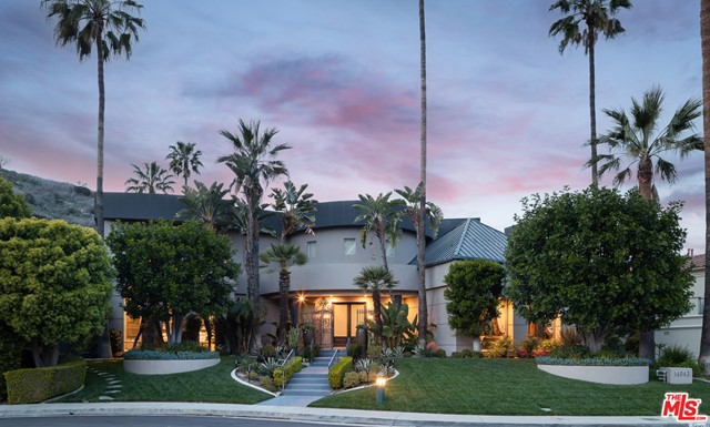 14043 Aubrey Road  Beverly Hills CA 90210