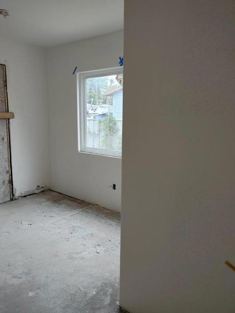 950 4th Street, San Jose CA: http://media.crmls.org/mediaz/15398FD0-6954-4B2F-9FE4-1CC413C439B3.jpg