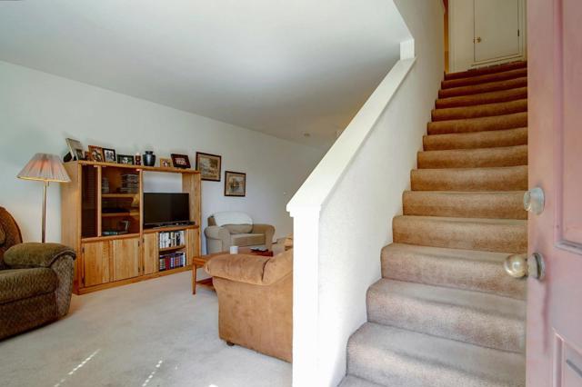 271 Gibson Drive, Hollister CA: http://media.crmls.org/mediaz/1541FCF4-CBFE-438A-A53C-09A696BFEA27.jpg