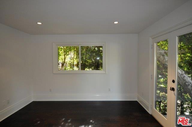 550 WARNER Avenue, Los Angeles CA: http://media.crmls.org/mediaz/15697628-FF8C-4660-BB2E-BAE886A7B416.jpg