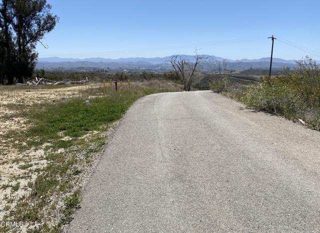 10165 Stockton Road, Moorpark CA: http://media.crmls.org/mediaz/15981406-61FD-4B14-90DD-7EC6F0C188BB.jpg