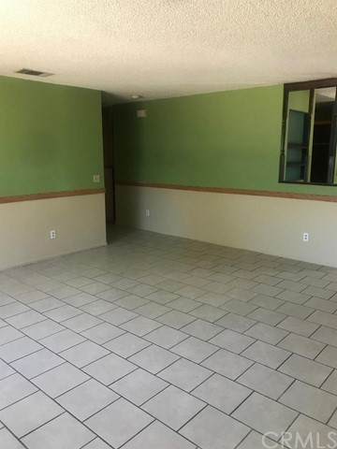 18550 Madrone Street,Adelanto,CA 92301, USA