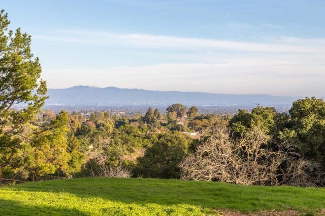 27474 Sunrise Farm Road, Los Altos Hills CA: http://media.crmls.org/mediaz/164EA368-6C7C-4E7D-AC71-C4E919F8D849.jpg