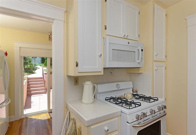 1092 Evergreen, San Diego CA: http://media.crmls.org/mediaz/167A51A2-35FD-45F6-99AB-F81301494415.jpg