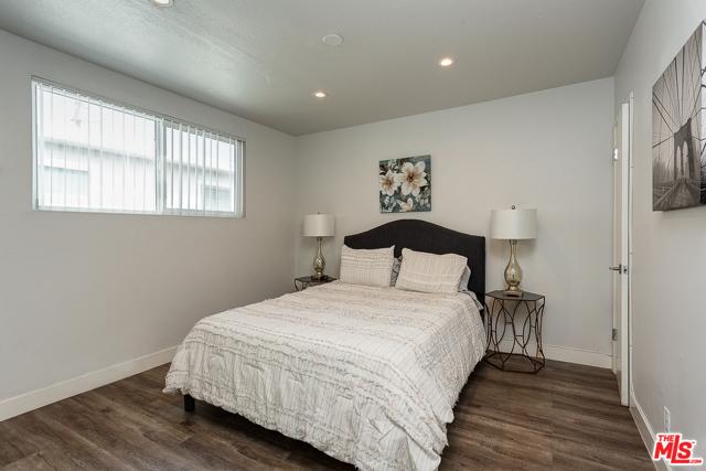 4140 Grand View Boulevard, Los Angeles CA: http://media.crmls.org/mediaz/1695194F-630A-48DE-B47E-39E589B5A969.jpg
