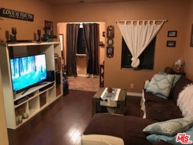 4116 1/2 PROSPECT Avenue, Los Angeles CA: http://media.crmls.org/mediaz/16EA345E-544E-45EC-A52F-2BB6862A7745.jpg