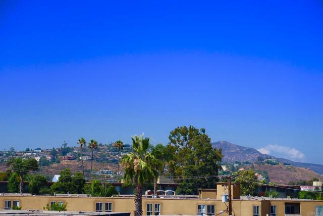 4860 Rolando Court, San Diego CA: http://media.crmls.org/mediaz/1705F55E-DCA7-44FD-A128-1C9C577FED79.jpg