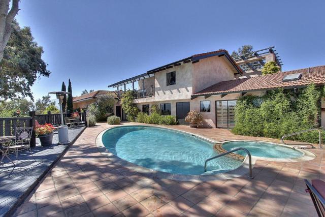 300 Country Club, Carmel Valley CA: http://media.crmls.org/mediaz/171E8906-A6EC-4967-ADBC-68064F3B208C.jpg