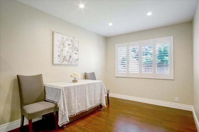 610 Blossom Glen Court, Gilroy CA: http://media.crmls.org/mediaz/1751B8F7-97EA-4FD0-8681-5AD471DD681C.jpg