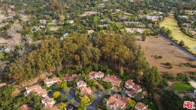 492 Monarch Lane, Santa Barbara CA: http://media.crmls.org/mediaz/1873C3DA-EEEA-47F0-AED5-D393EB2692FB.jpg