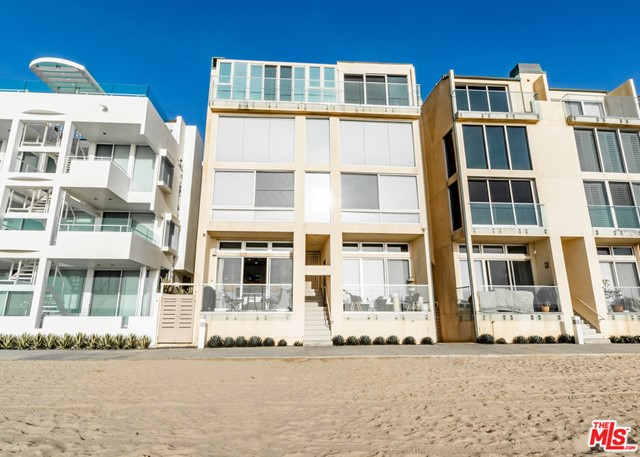 1 IRONSIDES Street, Marina del Rey CA: http://media.crmls.org/mediaz/18801B7A-8B6F-4F86-8B02-797BD1B096C7.jpg