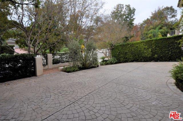 550 WARNER Avenue, Los Angeles CA: http://media.crmls.org/mediaz/1897AB30-83EE-4C2A-91D2-0C44E3A65E76.jpg