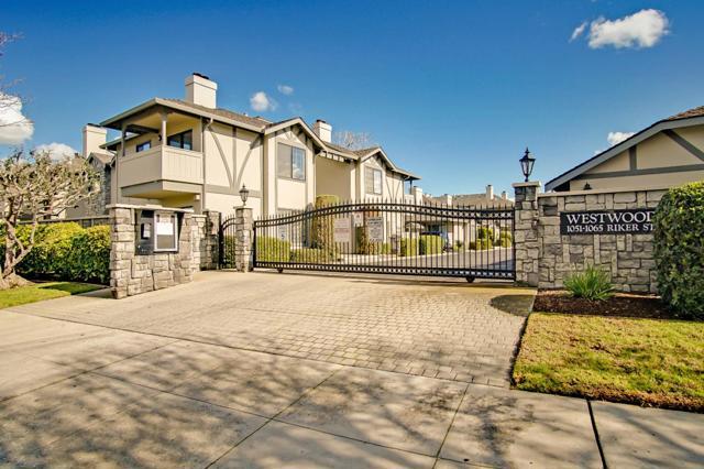 1063 Riker Street, Salinas CA: http://media.crmls.org/mediaz/18A9C5DC-8B0B-4DAB-BC04-62F708AC9BDD.jpg