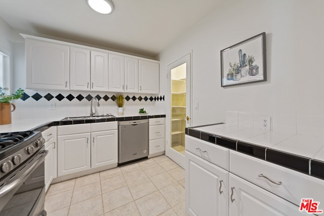 4933 Indian Wood Rd 464, Culver City, CA 90230 photo 9
