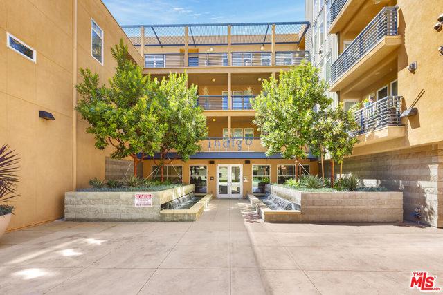 4050 Glencoe Avenue, Marina del Rey CA: http://media.crmls.org/mediaz/193972E3-24E1-4AB9-807A-499B2891DCD3.jpg