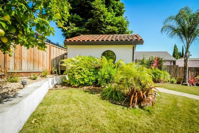 21798 Independent School Road, Castro Valley CA: http://media.crmls.org/mediaz/194DEC2F-5BDD-4313-9AE5-7EF655811CE1.jpg