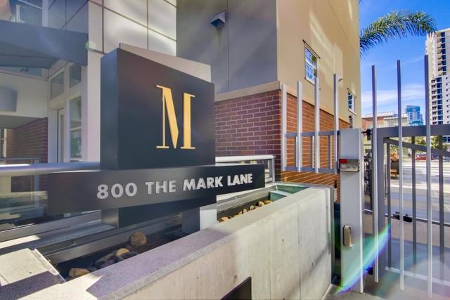 800 The Mark Ln, San Diego CA: http://media.crmls.org/mediaz/19575EAA-E36B-422B-90BD-05F44EDEAFCD.jpg
