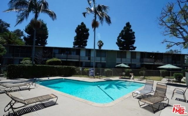 11133 ROSE Avenue, Los Angeles CA: http://media.crmls.org/mediaz/19BDB688-8C8E-4DC8-A616-18CEB633FE42.jpg