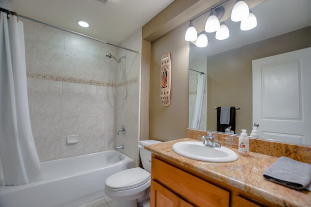 123 Blaine Street, Santa Cruz CA: http://media.crmls.org/mediaz/19DD9478-099F-4C9D-A053-B914FFE5F740.jpg