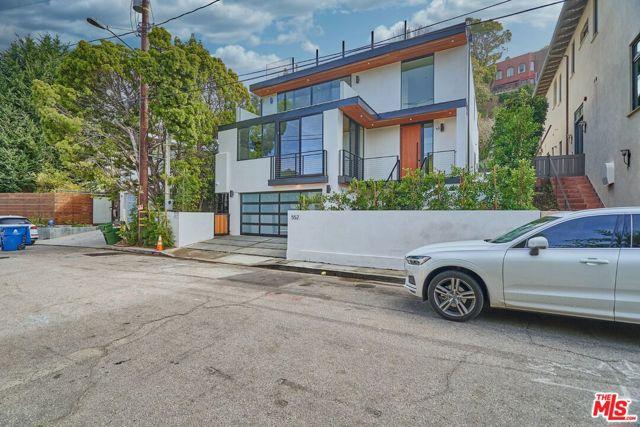 552 Stassi Ln, Santa Monica, CA 90402 photo 3