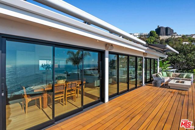 17856 Porto Marina Way, Pacific Palisades CA: http://media.crmls.org/mediaz/1A469E97-A237-47A6-807E-933692AFC91F.jpg