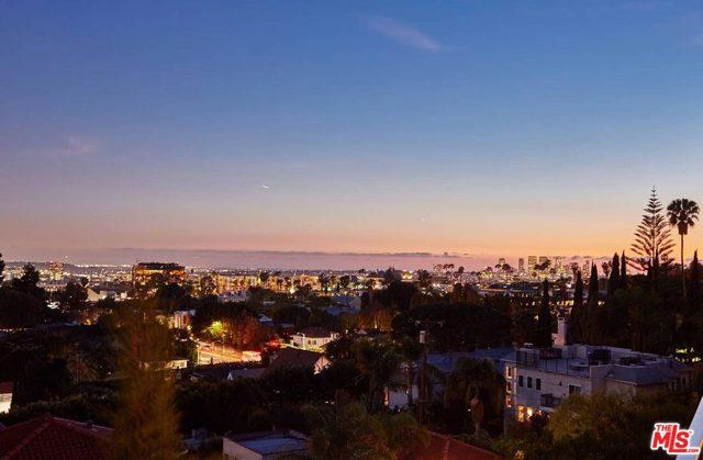 7831 Hillside Avenue, Los Angeles CA: http://media.crmls.org/mediaz/1A581134-37C5-4389-9B7E-CBF06A336172.jpg