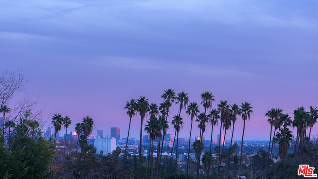 7801 HILLSIDE Avenue, Los Angeles CA 90046