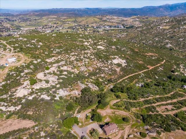 21 Ramona Trails, Ramona CA: http://media.crmls.org/mediaz/1B20BD7E-806E-406C-A60A-7BC79E4E7158.jpg