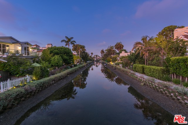 412 Howland Canal, Venice, CA 90291 photo 6