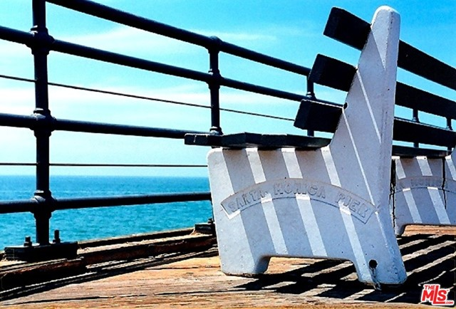 1241 5TH Street, Santa Monica CA: http://media.crmls.org/mediaz/1B4153A3-BE8A-42F8-B3F2-487DC05D1384.jpg