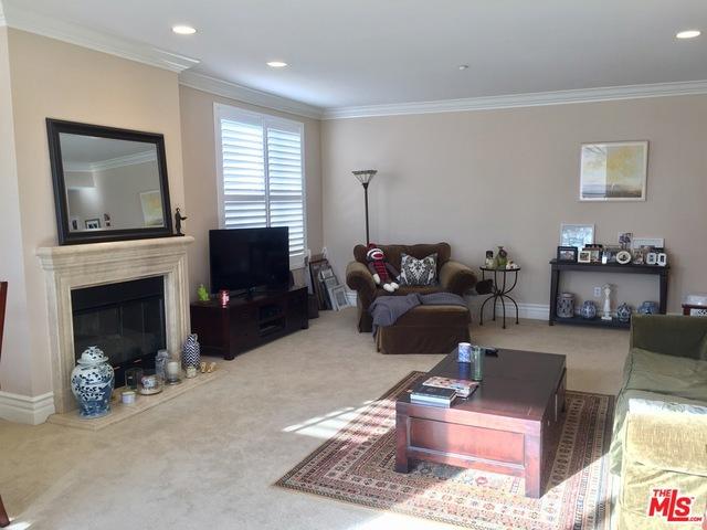 Condominium for Rent at 1337 Wellesley Avenue Los Angeles, California 90025 United States